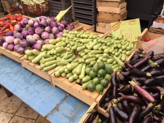 valence-groente-uitgestald-op-markt
